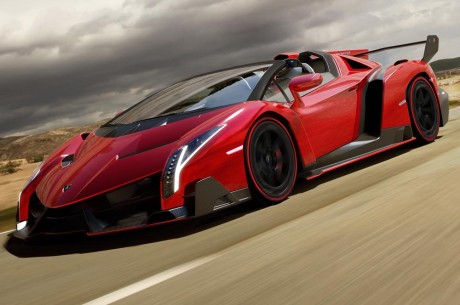 Lamborghini-Veneno-Roadster-front-side-motion-view