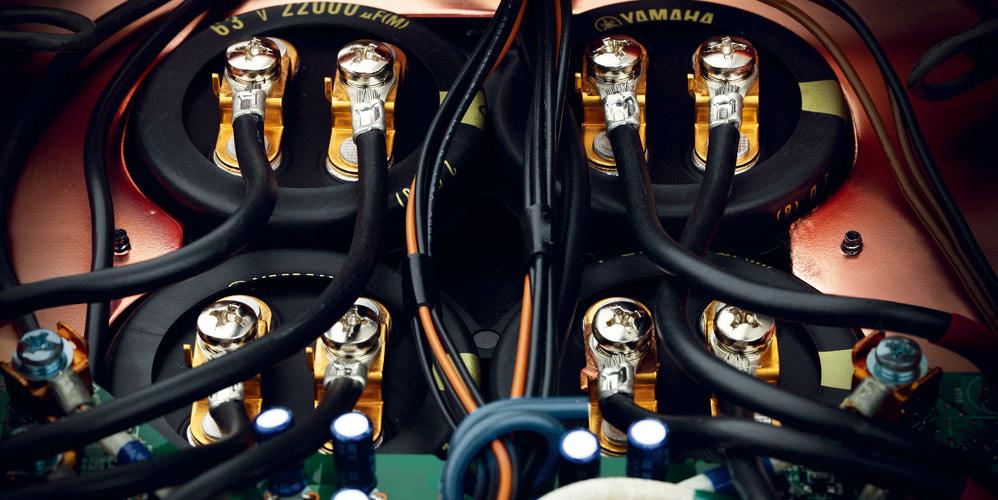 Yamaha_A-S3000_skruer