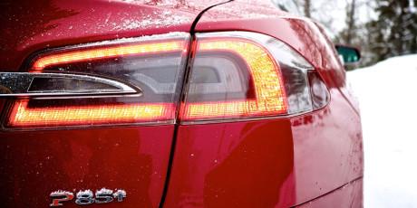 Vores testmodel, Tesla Model S P85+, er firmaets absolutte topmodel med 476 hk (350 kW) induktionsmotor.
