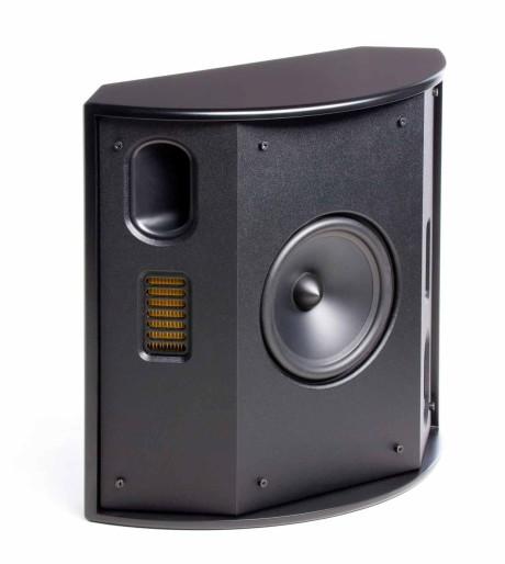 Baghøjttalerne FX2 har to Folded Motion diskanter, der spiller hver sin vej sammen med basportene. Det dynamiske bas/mellemtone-element peger fremad.