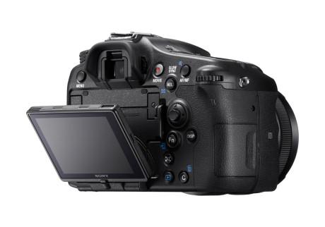 Få kosmetiske ændringer – forbedringerne er sket inden i Sony-kameraet.