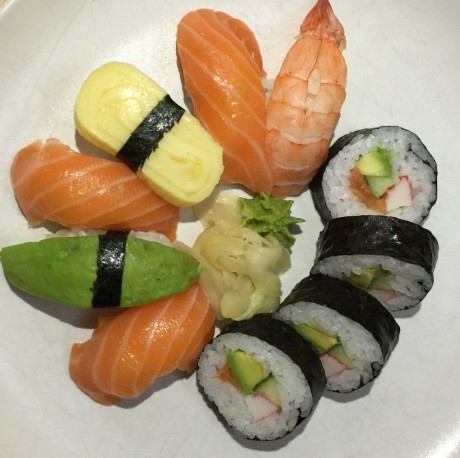 iPhone-6-Plus-sushi-bright-web-460x458