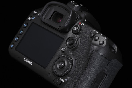 Design-Cut-EOS-7D-Mark-II-5-B-Special