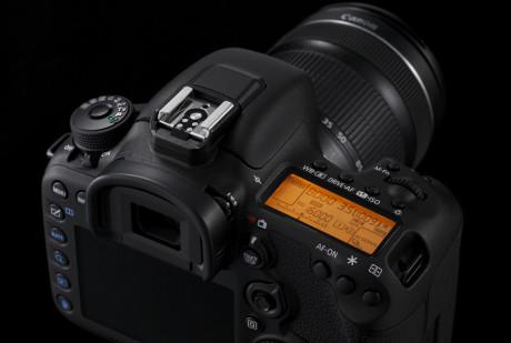Design-Cut-EOS-7D-Mark-II-6-Special