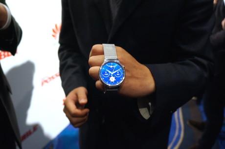 Huawei Watch skal ligne et klassisk ur som meget som muligt. Derfor er det rundt, og derfor passer det med almindelige urlænker og -remme.