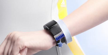Samsung-Gear-Fit-Designer_Lifestyle_8