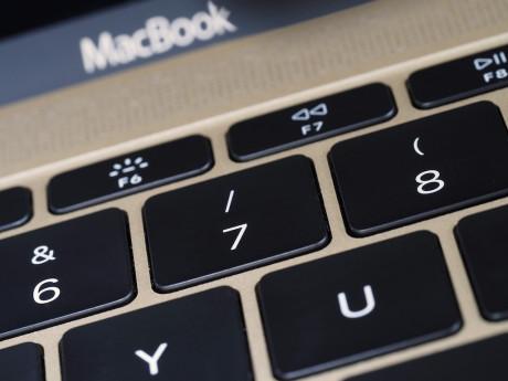 Tasterne på den nye MacBook er meget flade og har næsten ingen vandring.