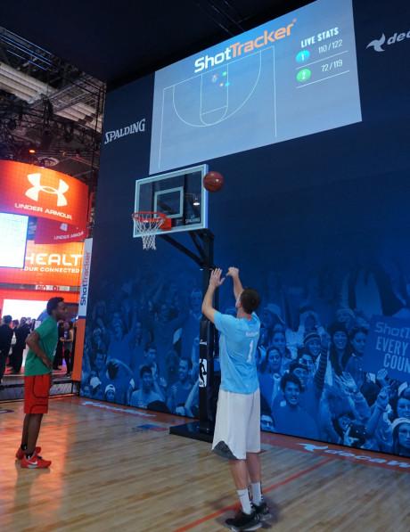 Basketball i Smart-udgave (ShotTracker). Foto: John Alex Hvidlykke