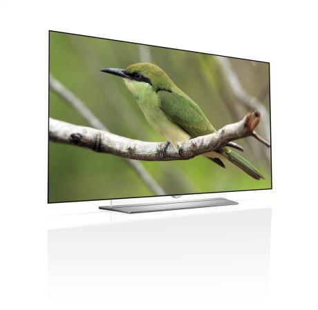Selv med sit traditionelle flade design er LG-skærmen superslank og elegant at se på. (Foto: Producent)