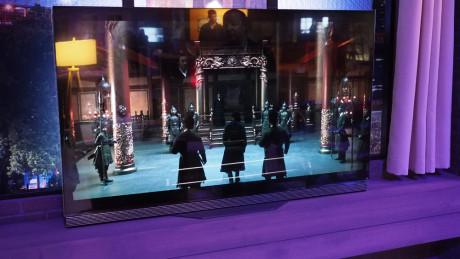2. sæson af Marco Polo bliver en af de første serier, der streames i 4K HDR-kvalitet til kompatible tv'er. Her vist på et LG 2016 OLED-tv. Foto: Audun Hage