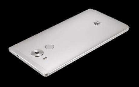På Huawei Mate 8 sidder fingeraftrykslæseren på bagsiden under kameraet. Foto: Huawei