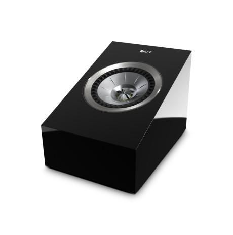 Der findes også løse Atmos-højttalere, som placeres oven på fronthøjttalerne, f.eks. KEF R50. De lækker selvfølgelig en del lyd direkte fremad, og det vil næppe fungere lige så godt. Foto: KEF