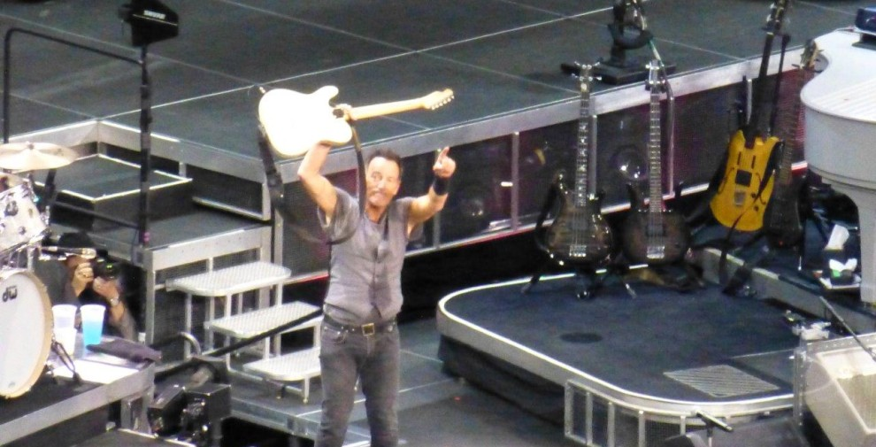 Bruce-Springsteen-WEB-The-River-Tour-2016-–-28.03-100-990x505