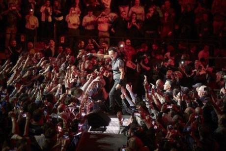 Bruce-Springsteen-WEB-The-River-Tour-2016-–-28.03-2-e1460707092212
