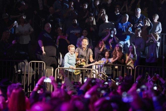 Bruce-Springsteen-WEB-The-River-Tour-2016-–-28.03-5-e1460707210544