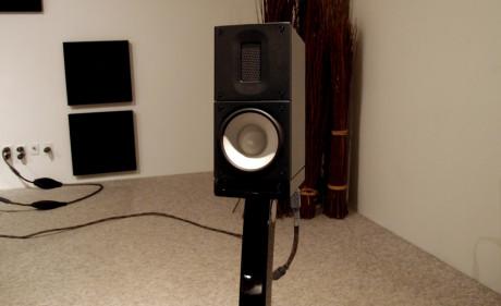 Den lille X1 har meget større lyd, end man tror, når man ser den. Foto: Geir Gråbein Nordby, Lyd & Billede