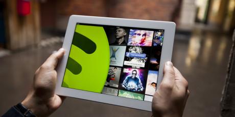 Tablets giver bedre overblik end mobiltelefonen. Foto: Spotify