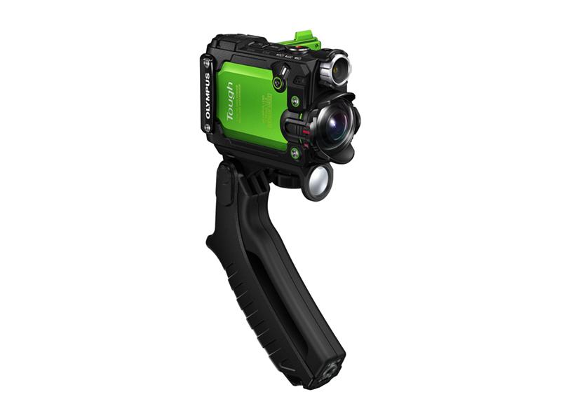 Et bekvemt pistolgreb medfølger til håndholdt optagelse. Foto: Olympus