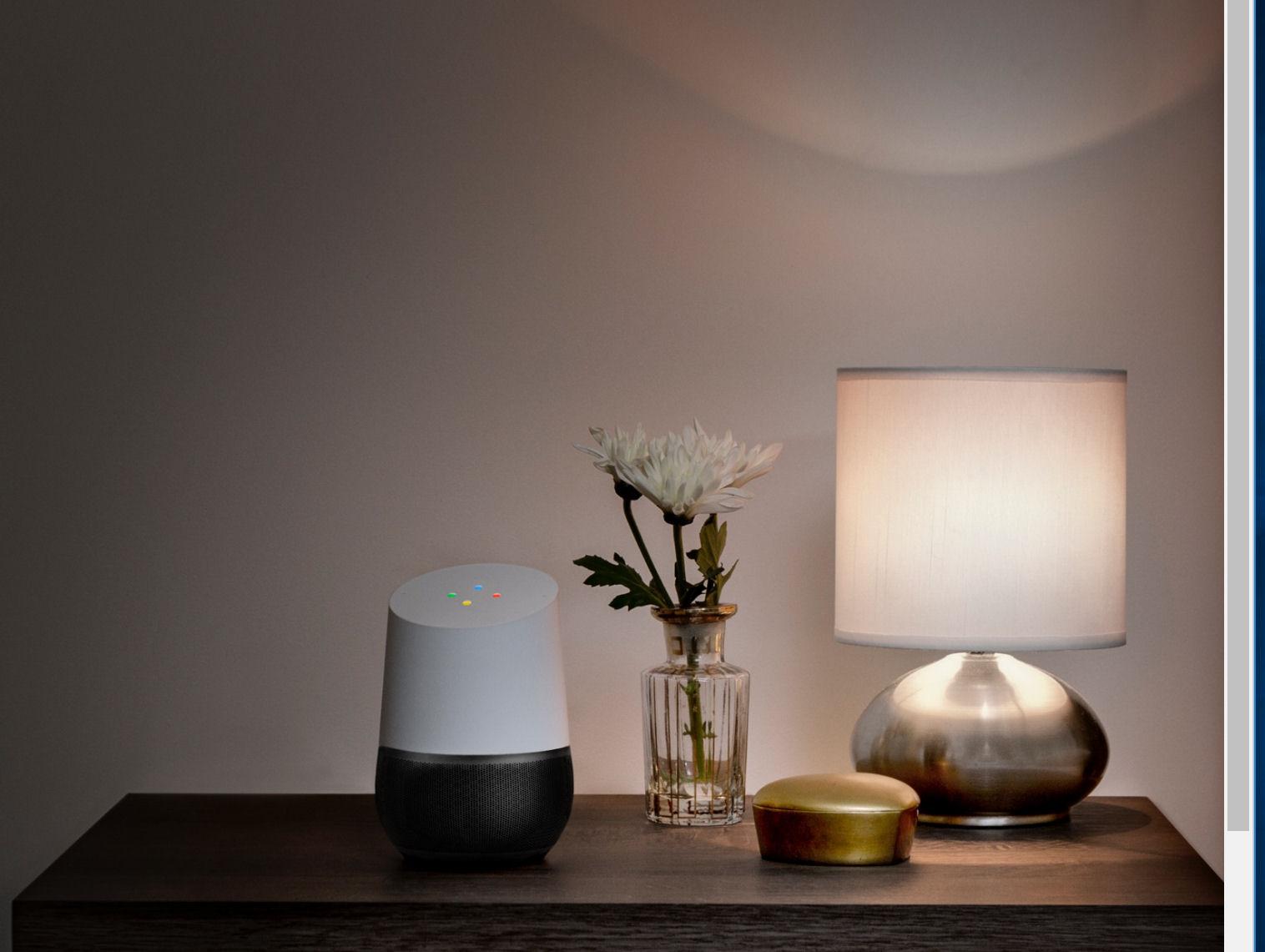 Google Home er en stemmestyret personlig assistent, der både kan finde svar og streame musik. Foto: Google