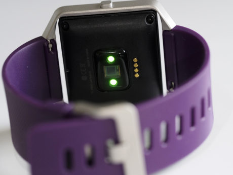 Optiske sensorer tjekker din puls. (Foto: Lasse Svendsen)