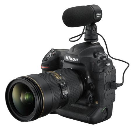 D5 kan rigges til som et videokamera med mikrofon og hovedtelefoner, og har selvfølgelig 4K-video. (Foto: Producent)