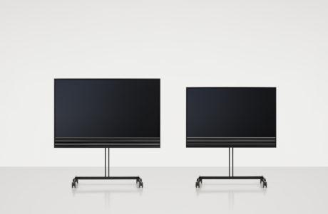 """BeoVision Horizon fås med hhv. 40"""" og 48"""" panel. Foto: B&O"""