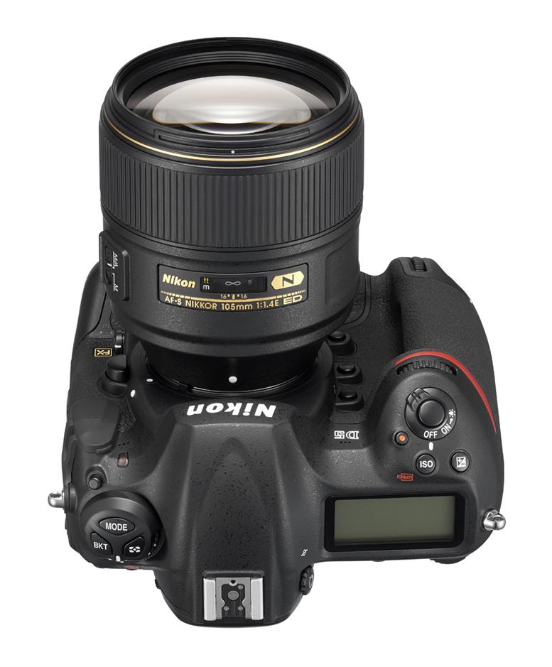 105 mm F1.4 monteret på det fænomenale Nikon D5. Foto: Nikon