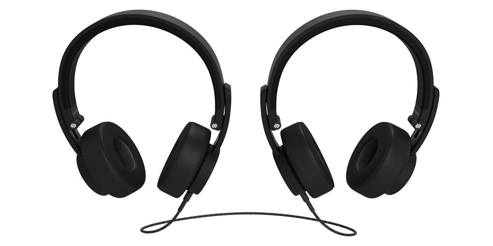 To sæt hovedtelefoner kan sammenkobles for at dele musik. Foto: Urbanista