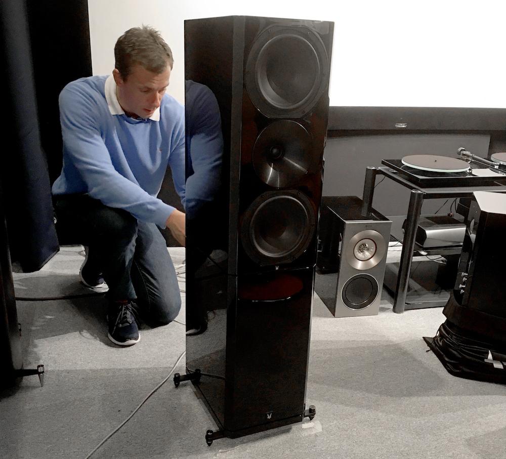 Voilà - Monitor er omdannet til en gulvhøjttaler! Foto: Geir Gråbein Nordby, Lyd & Billede