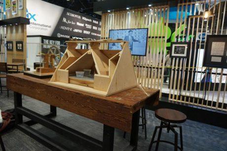 De første Klipschorn blev bygget af Paul Klipsch ved dette arbejdsbord i et lejet blikskur. Foto: John Alex Hvidlykke