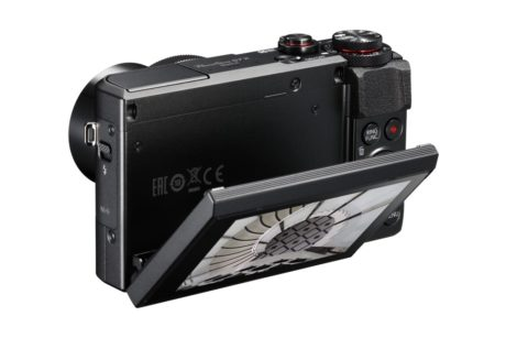 Vipbar touch-skærm er meget praktisk på et lille kamera. (Foto: Producent)
