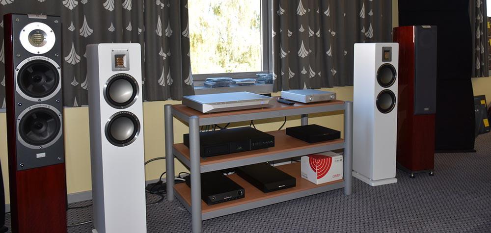 Hos Ljudtema kunne man høre den helt nye Audiovector QR3 drevet af elektronik fra NuPrime. Foto: Ljudtema