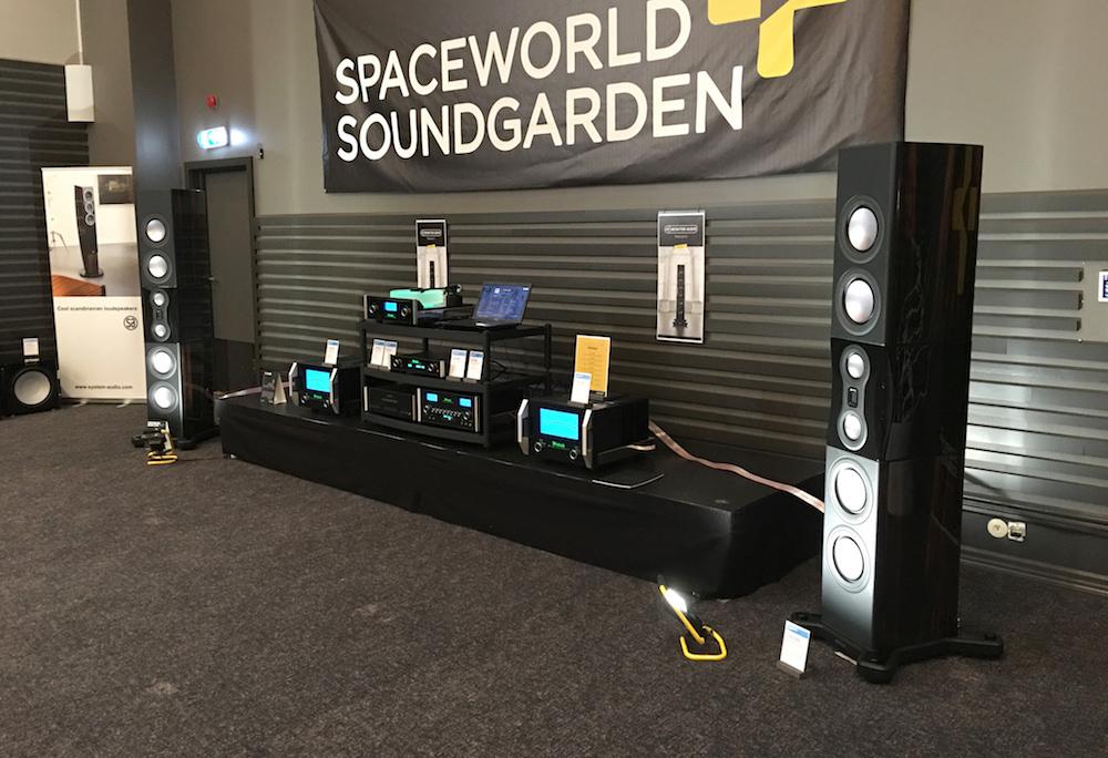 Spaceworld Soundgarden spillede på et heftigt system med McIntosh-forstærkere og et par gigantiske Monitor Audio PL500 II. Foto: Geir Gråbein Nordby, Lyd & Billede