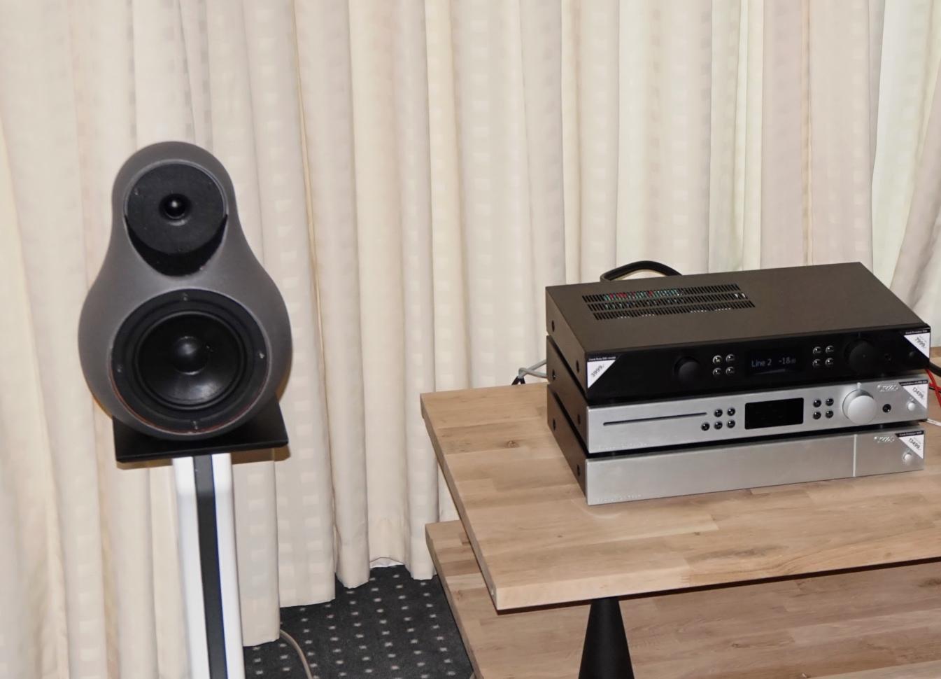 Hos Audioform kunne man blandt andet høre den interessante lille højttaler Jern 14. Foto: John Alex Hvidlykke, Lyd & Billede