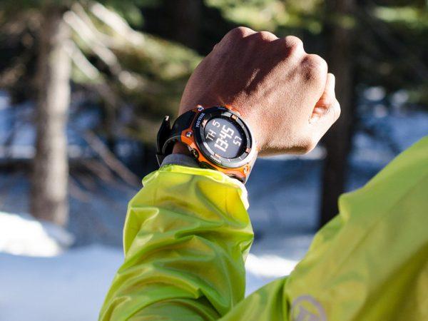 Smart-ur med sparsommelig GPS