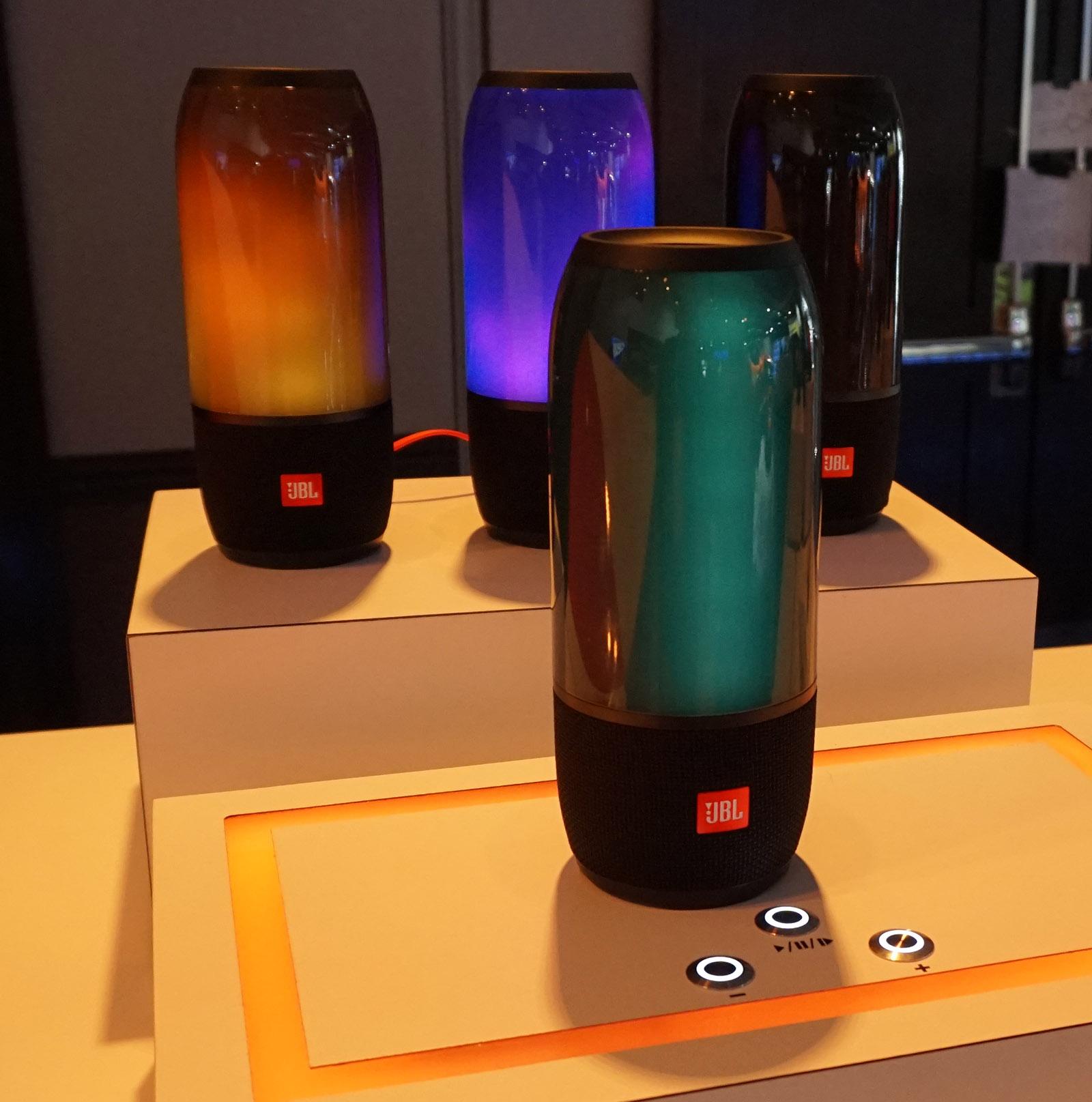 JBL Pulse har fået indbygget lysshow. Foto: John Alex Hvidlykke, Lyd & Billede.