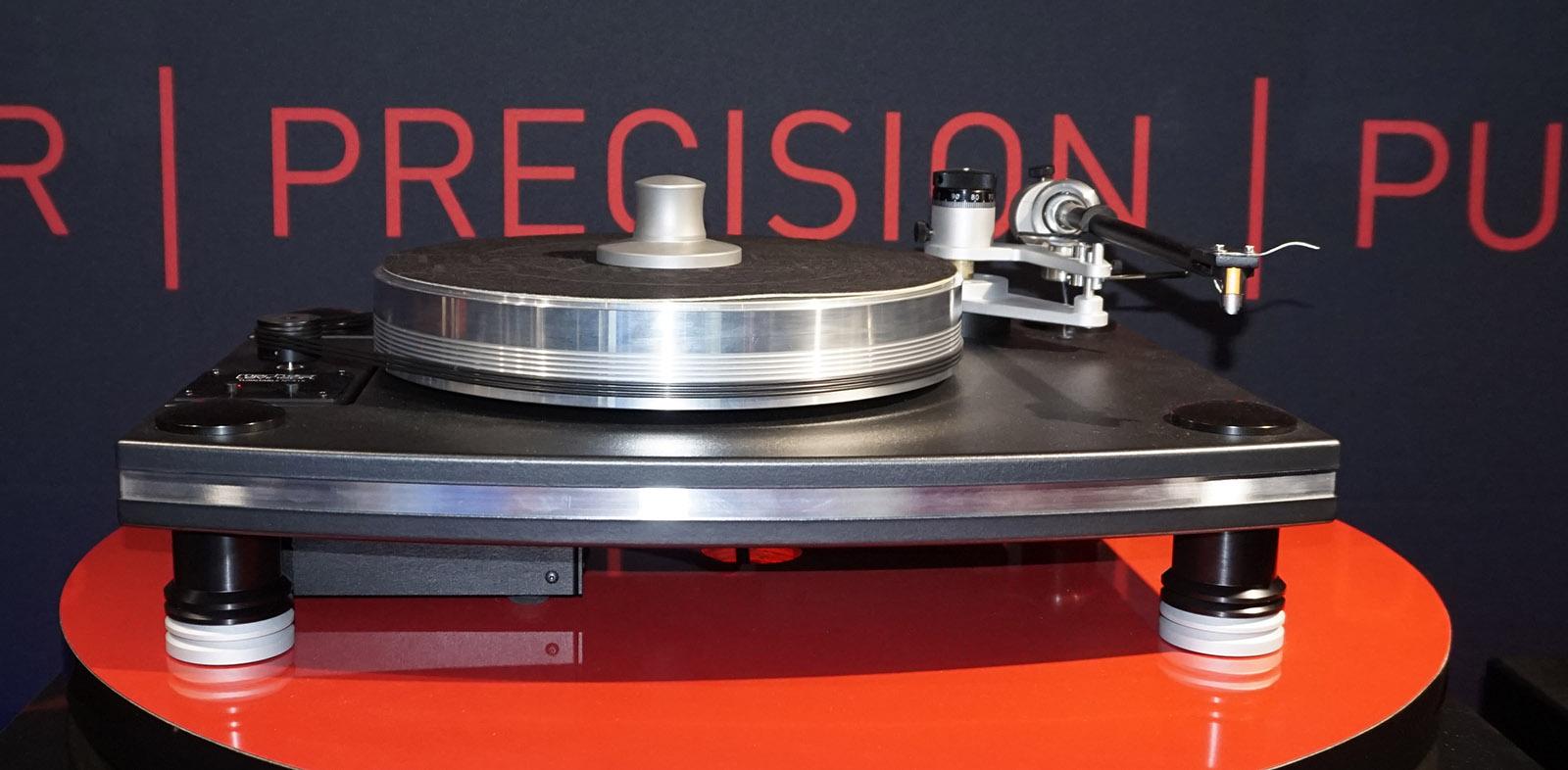 Harman-ejede MArk Levinson har fået vinyl på programmet. Foto: John Alex Hvidlykke, Lyd & Billede.