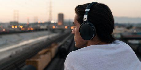 Seks overkommelige hovedtelefoner med støjreduktion