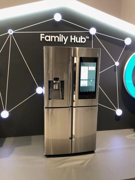 Samsung Family Hub 3.0 med fyra dörrar.