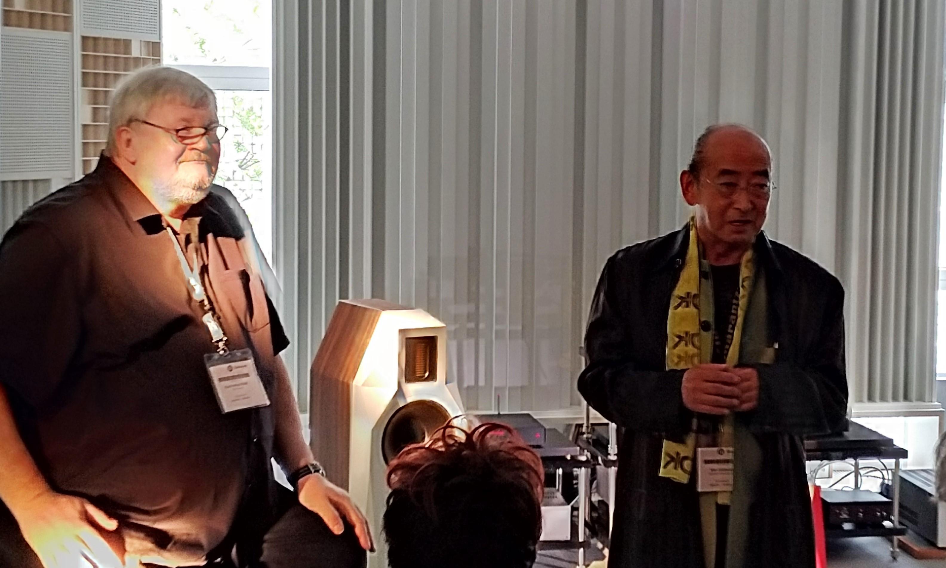 Karl-Heinz Fink (t.v.) hade bjudit sin mångårige vän och medarbetare Ken Ishiwata (t.h.) till lanseringen. Foto: John Alex Hvidlykke