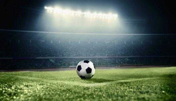 8 store skærme til fodbold-VM