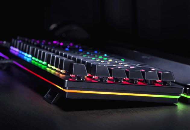 Razer Huntsman Elite er det bedst belyste tastatur lige nu. Og tasterne fungerer ved lys.