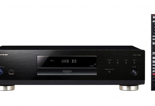 UDP-LX500 er solidt bygget, og en bagbelyst fjernbetjening er praktisk. (Foto: Pioneer)