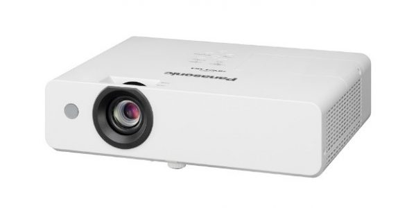 Panasonic lancerer nye Short Throw og transportable projektorer
