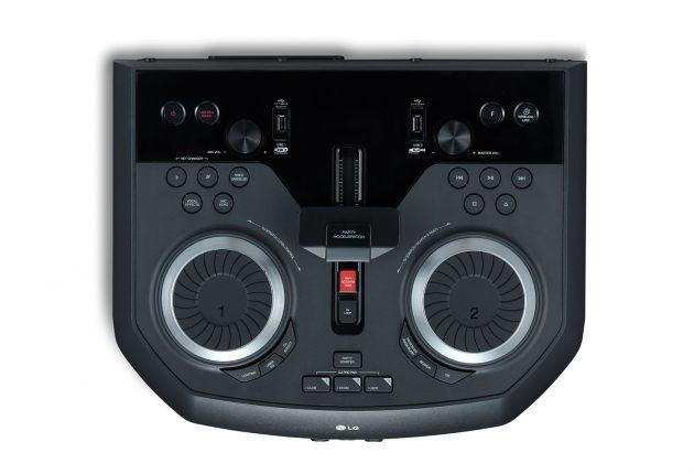 Flere knapper, hjul og switches, end man behøver for at lege DJ. (Foto: Producent)