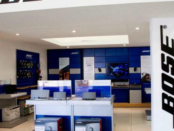 Bose Stores lukker